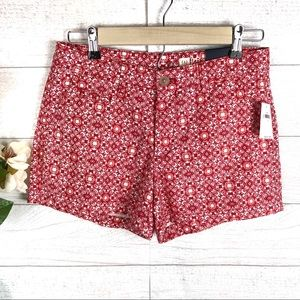 GAP NWT Red & White Patterned Shorts
